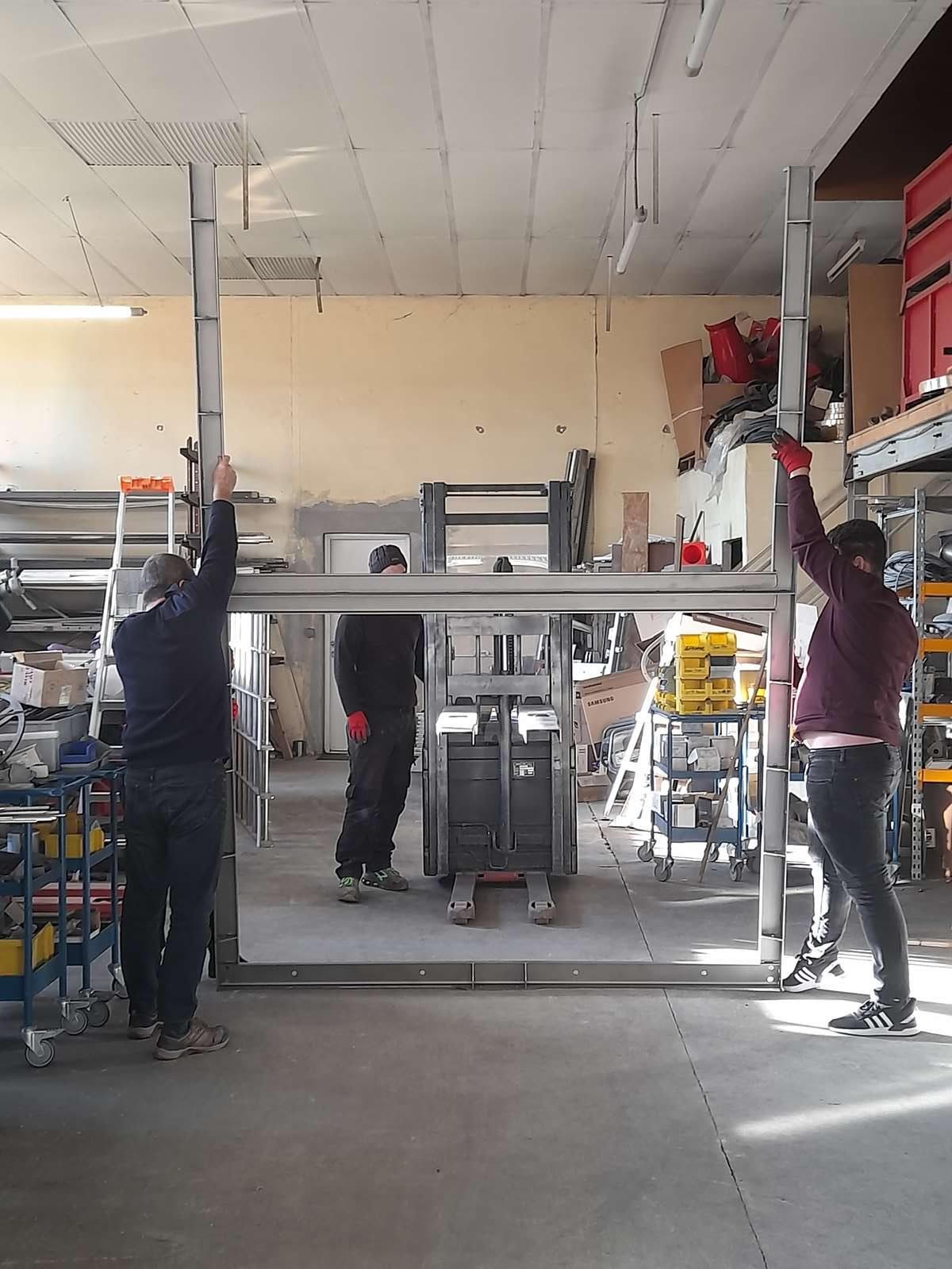 simulation; conception et fabrication grille mécanique commande par cric pour filtration bassin avant passage orifice. Sathonay