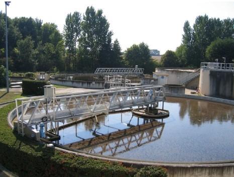 équipements de réservoirs et de stations d'épuration